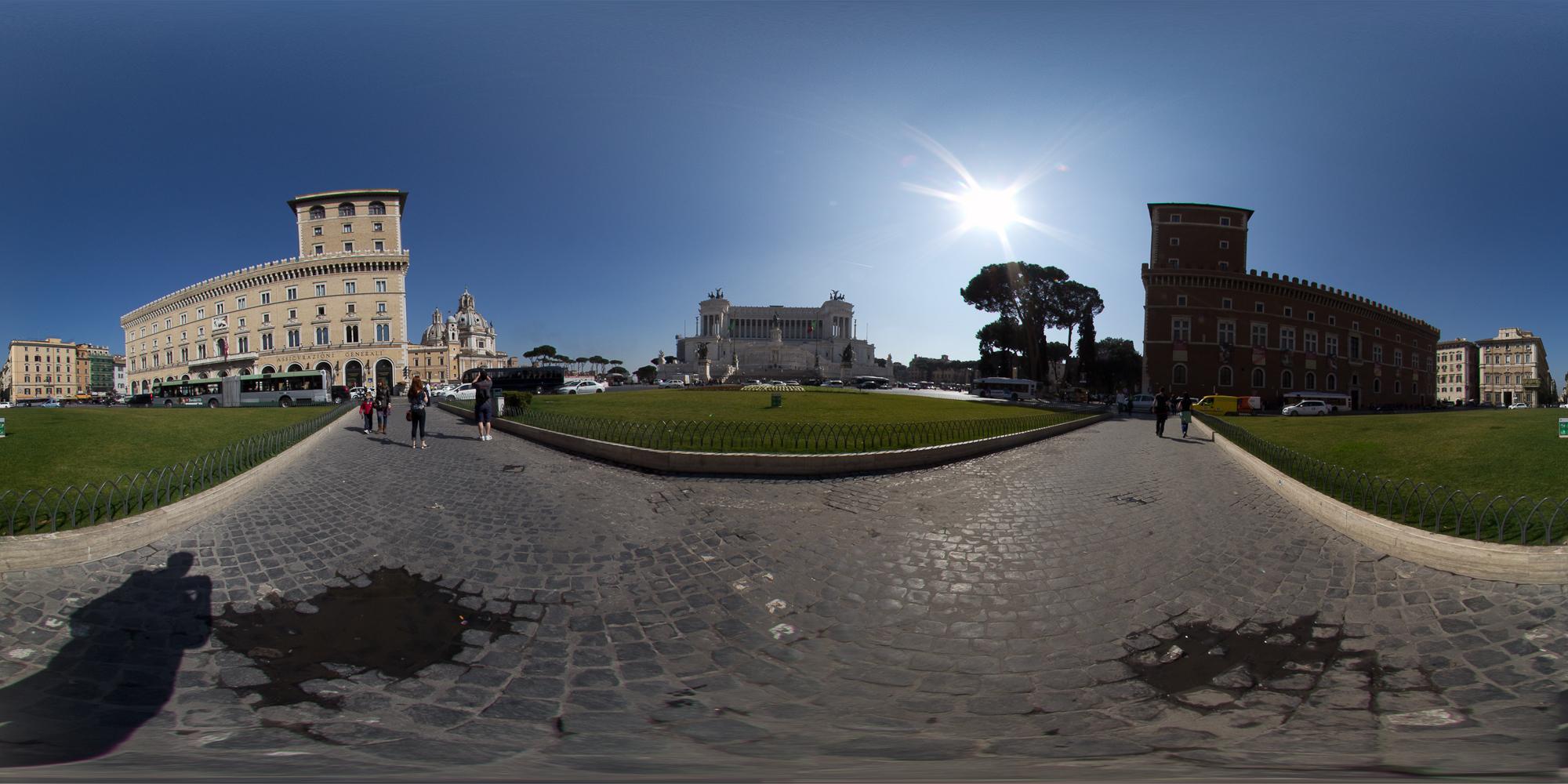input_images/Piazza Venezia.jpg